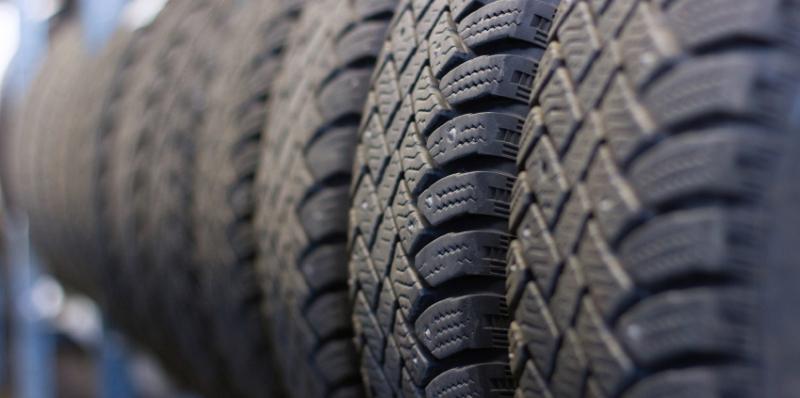 Fire nye dæk og montering - fra 2.345 kroner